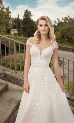 свадебное платье традиционного кроя