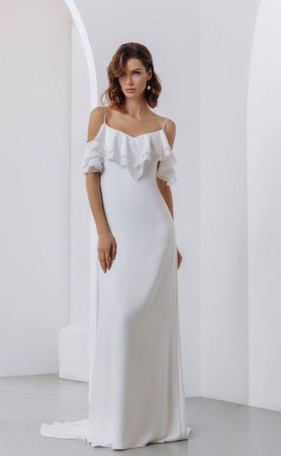 Атласное свадебное платье в бельевом стиле