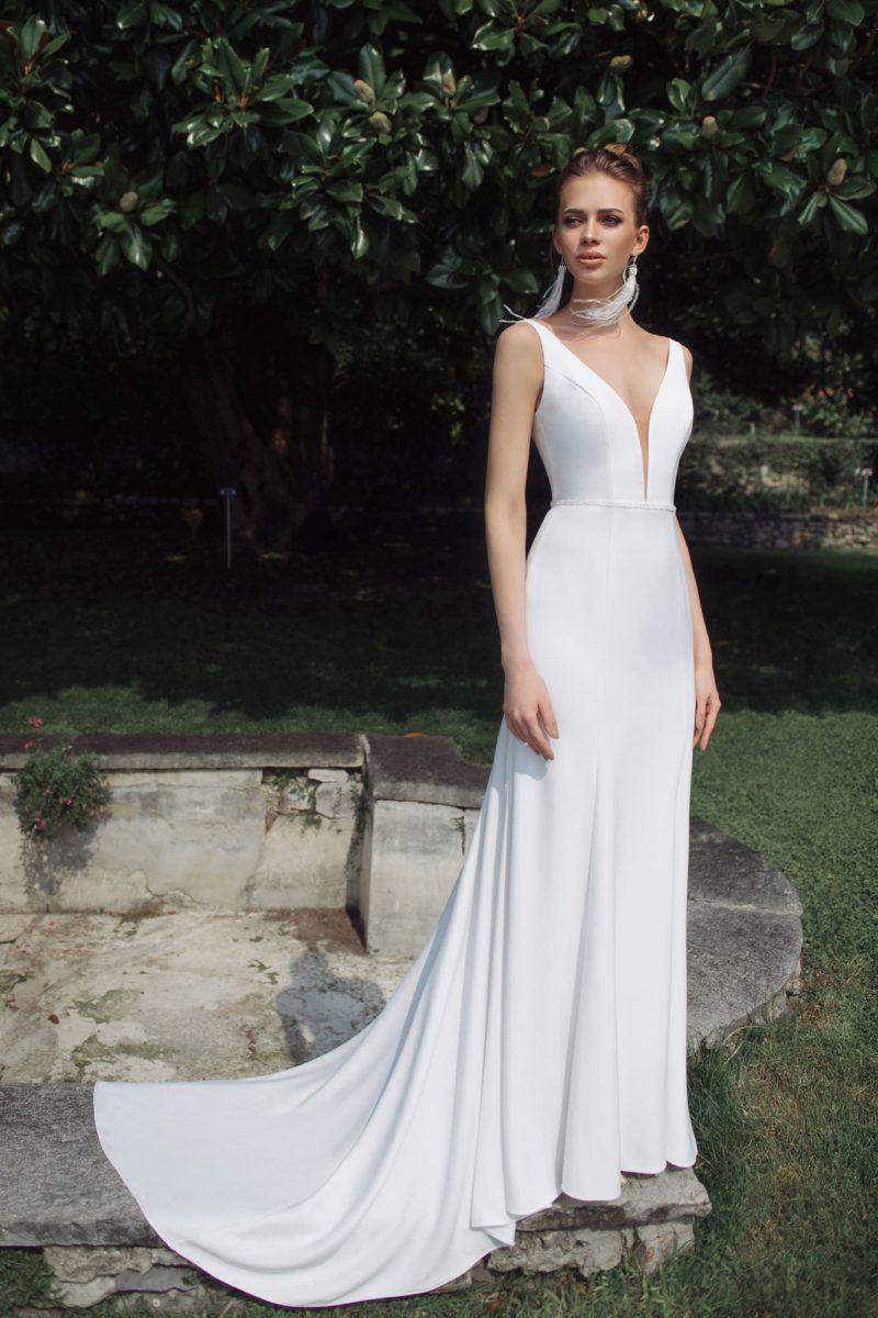 Свадебное платье силуэта рыбка из атласа