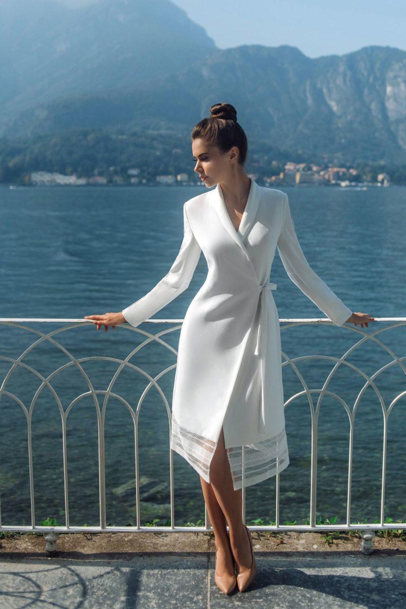 Короткое свадебное платье-халат