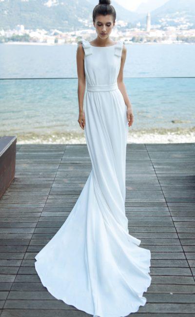 Летнее свадебное платье с лаконичным дизайном