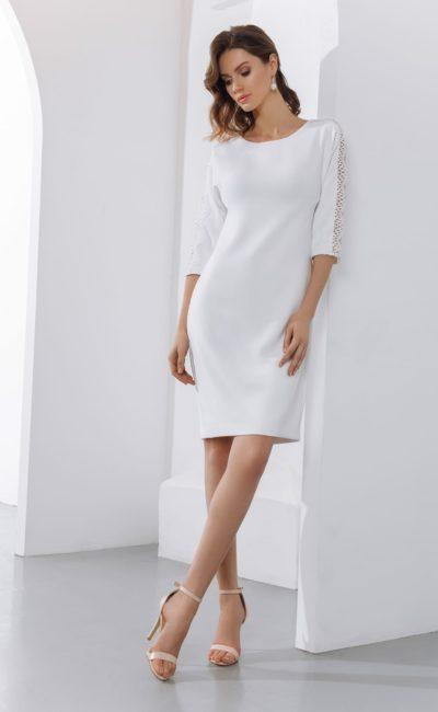 Недорогое короткое свадебное платье-футляр