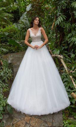 Свадебное платье бального силуэта
