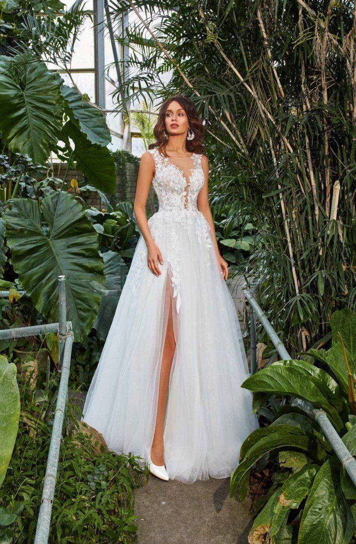 Пышное свадебное платье с женственным дизайном