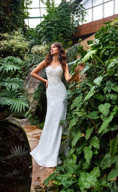платье силуэта русалка из белого гипюра