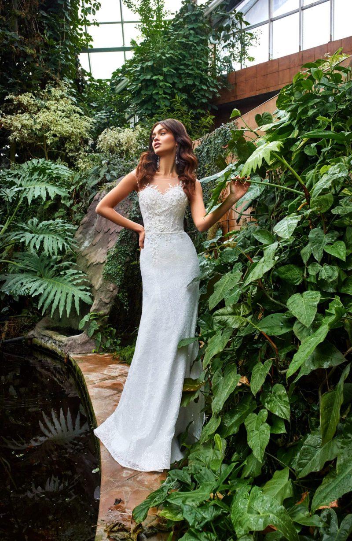 Свадебное платье силуэта русалка из белого гипюра
