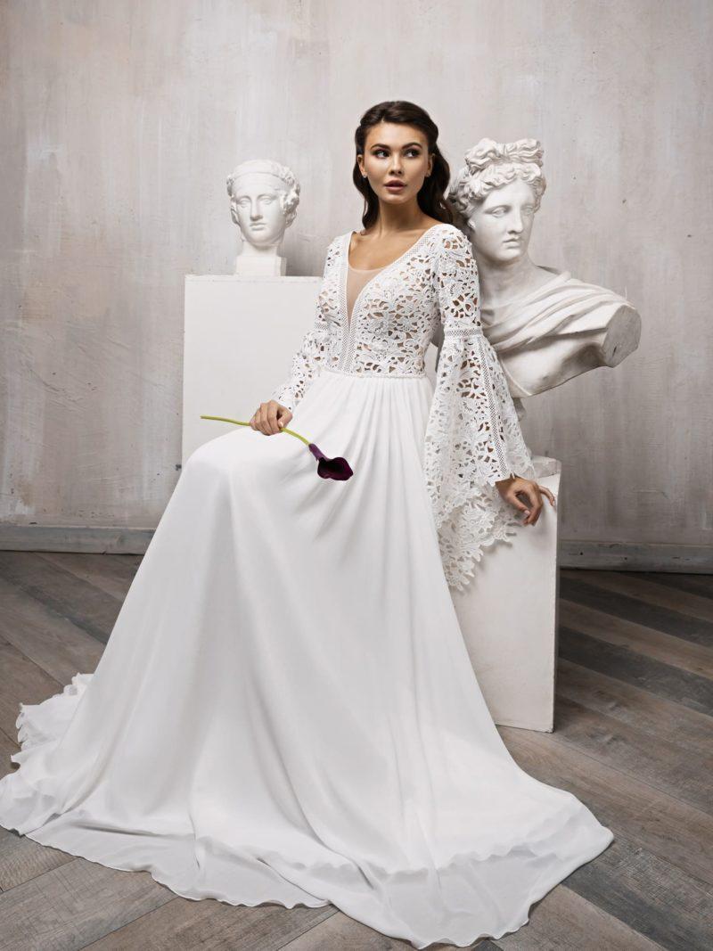 свадебное платье с необычными длинными рукавами