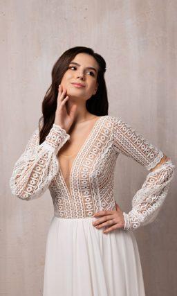 Свадебное платье с  кружевными акцентами