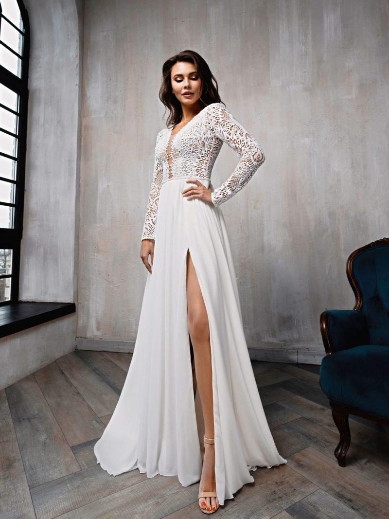 Приталенное свадебное платье из кружева
