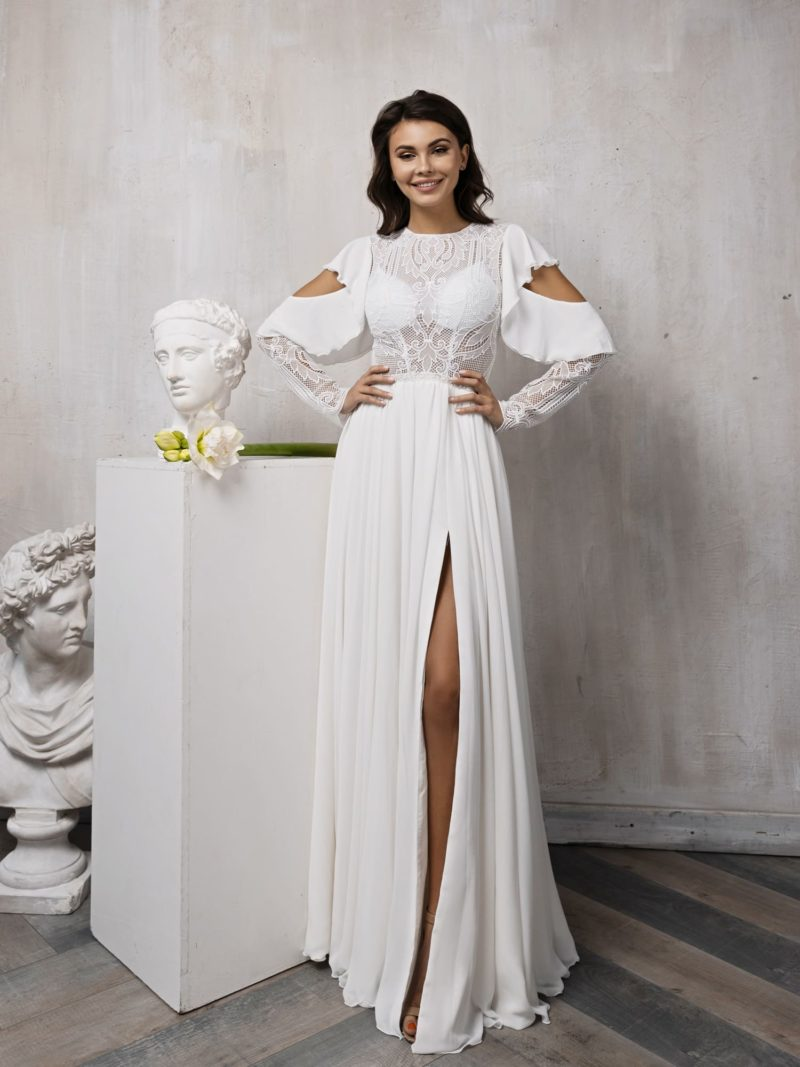 Свадебное платье с необычным кроем рукавов