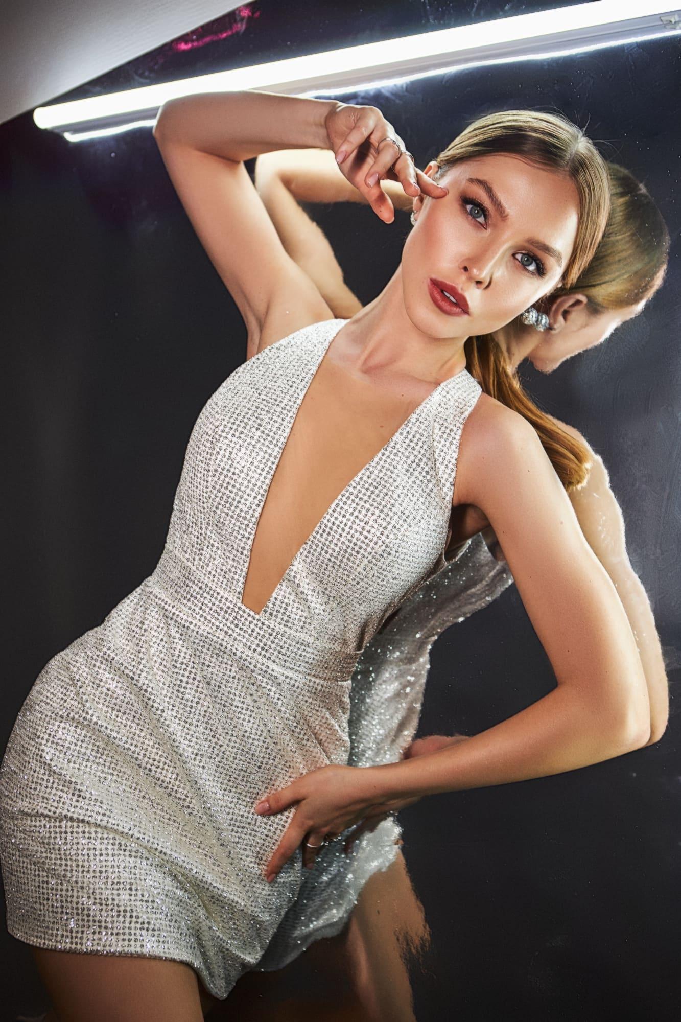 Анна кузнецова модель красивое поздравление с днем рождения девушке от коллег по работе