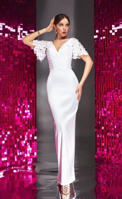 Платье с дизайнерскими рукавами