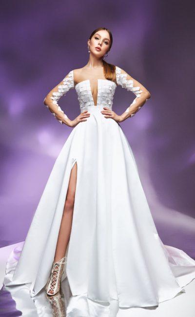 Свадебное платье с лифом из фактурных квадратов