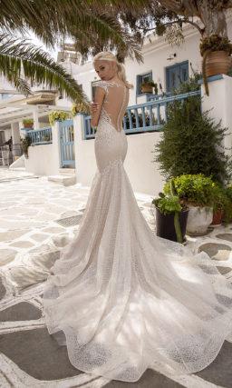 Свадебное блестящее платье силуэта русалка