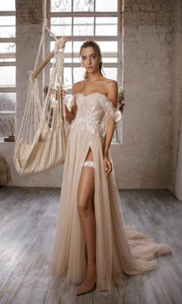 платье оттенка капучино в греческом стиле