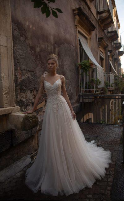 Свадебное платье из роскошного королевского атласа