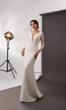 Свадебное платье силуэта русалка в оттенке айвори с люрексом