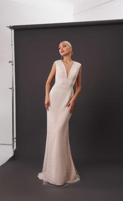 Свадебное платье с рисунком в белый горох