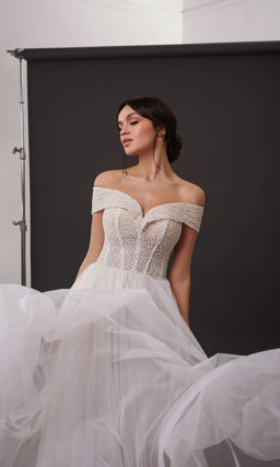 Свадебное платье с легким мерцанием