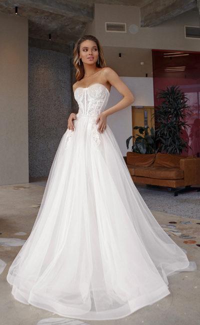 Свадебное платье силуэта принцесса из легчайшего фатина