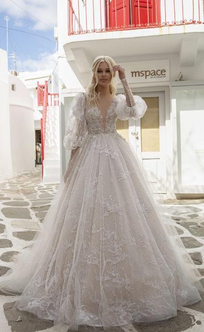 Свадебное платье с объемными рукавами