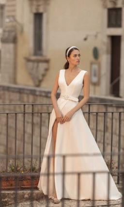 Свадебное платье с имитацией запаха