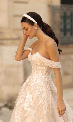 Свадебное платье в пудрово-розовом оттенке