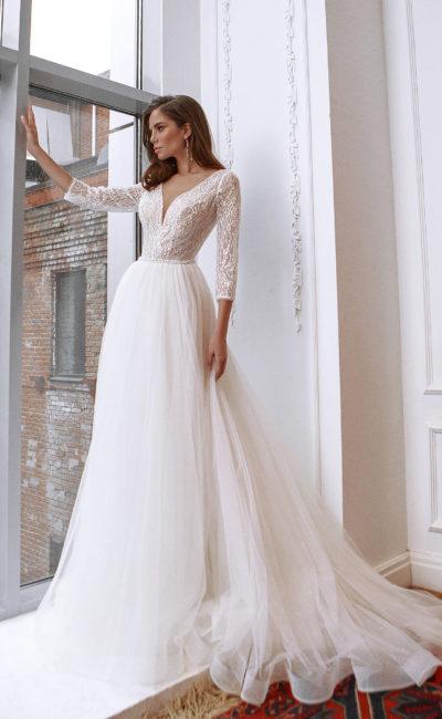 Свадебное платье с пышной воздушной юбкой