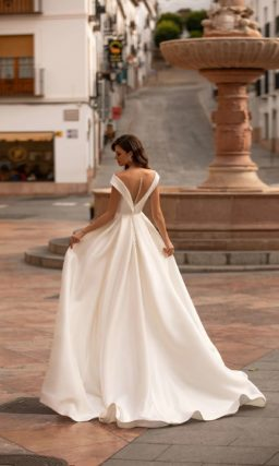 Минималистичное свадебное платье
