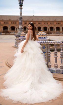 Пышное дизайнерское платье