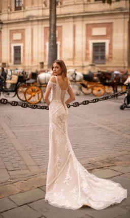 Кружевное свадебное платье силуэта рыбка