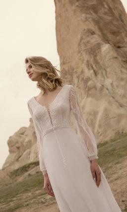 Свадебное платье с поясом и рукавом