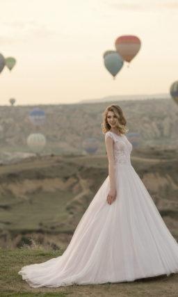Свадебное платье силуэта принцесса