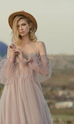 Свадебное платье в оттенке муссон