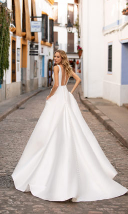 Свадебное платье с цельным кроем