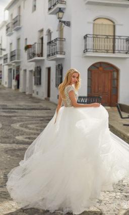 Пышное легкое свадебное платье