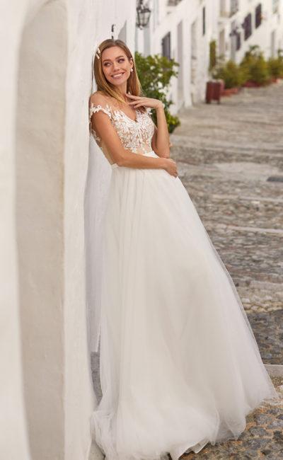 Легкое женственное свадебное платье