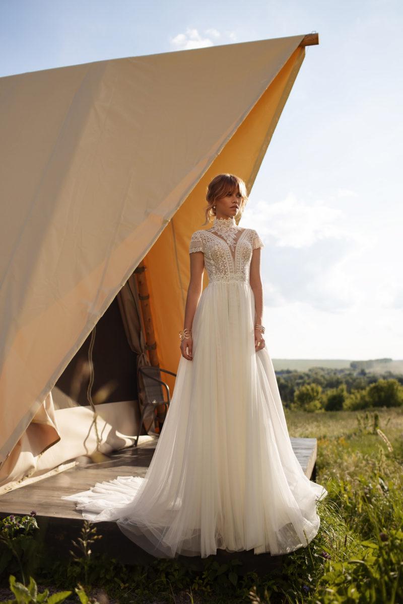Кружевное дизайнерское платье