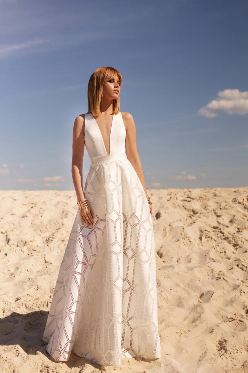 Красивое дизайнерское платье