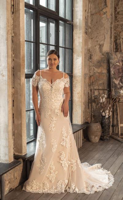 Свадебное платье «рыбка» большого размера