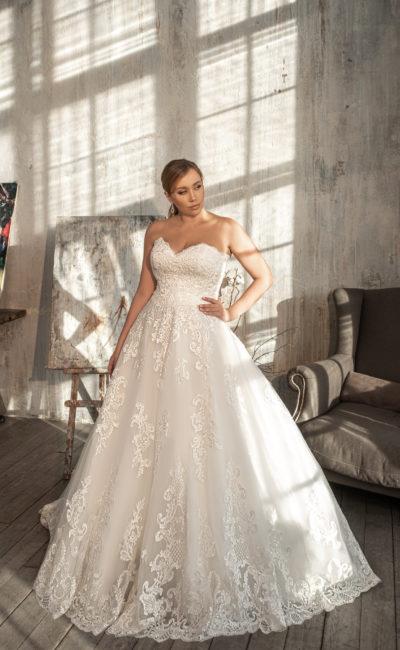 Свадебное платье с открытым корсетным лифом