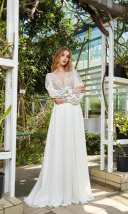 Прямое свадебное платье из шифона