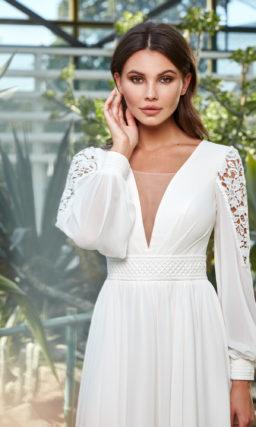 Ампирное свадебное платье с рукавом