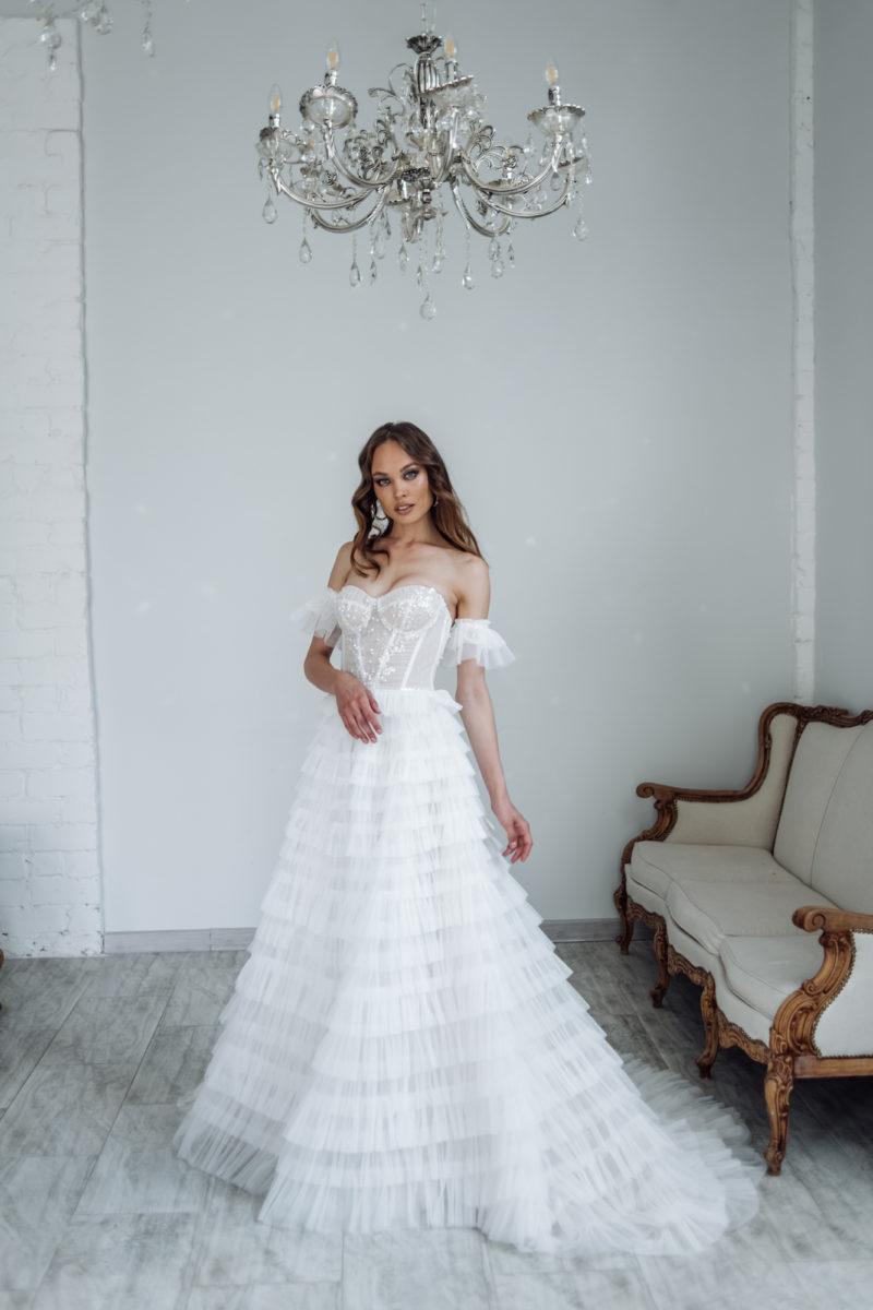 Свадебное платье с мелкими рюшами