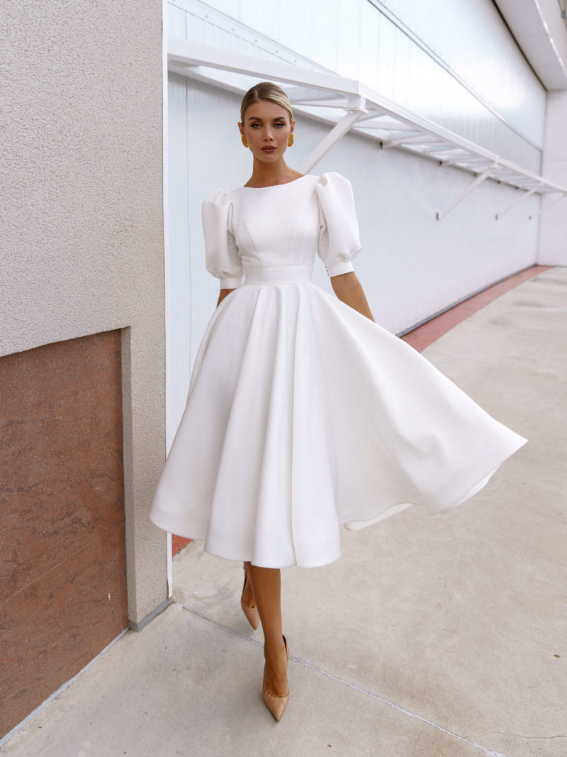 Короткое платье в стиле ретро