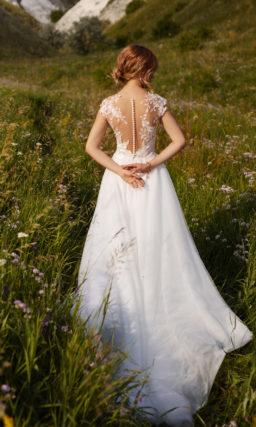свадебное платье с короткими рукавами