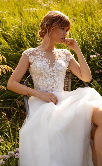 Cвадебное платье с короткими рукавами