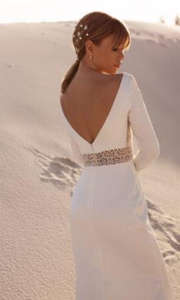 Современное свадебное платье с рукавом