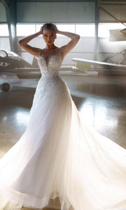Очаровательное свадебное платье