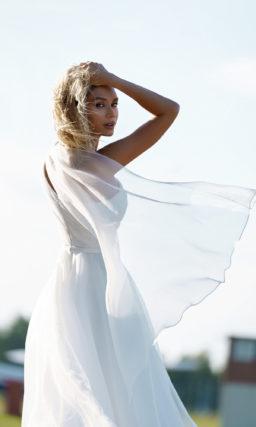 Пышное платье на одно плечо